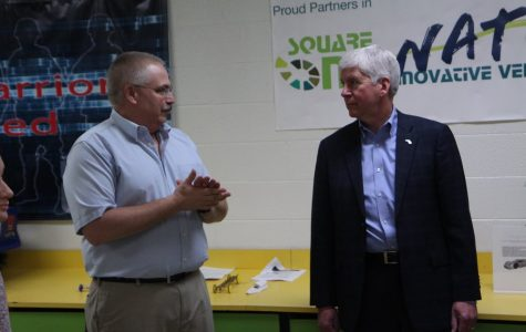 Students present robotics program to Gov. Snyder