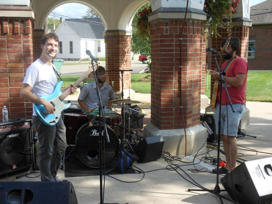 Ashton Havens and Scott Crandall play in the town square as a part of the Market Music Series.